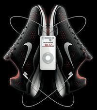 check out 5a917 5e4ea Révolutionnez le jogging de Monsieur avec Nike + iPod. Sous la semelle  intérieure des baskets Nike « Air Zoom Moire » s insère un mini  capteur-émetteur.